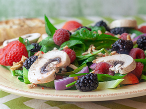 Berry_Spinach_Salad.jpg
